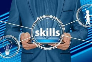 difference between personality traits and interpersonal skills